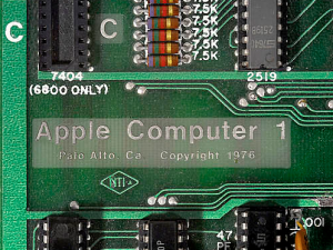 Apple-1-Computer-Sells-for-Record-Price-at-Auction-Team-Breker-8