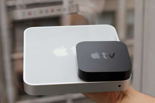 Apple TV 1 (aluminio) comparado con el 2 y 3 (negro)