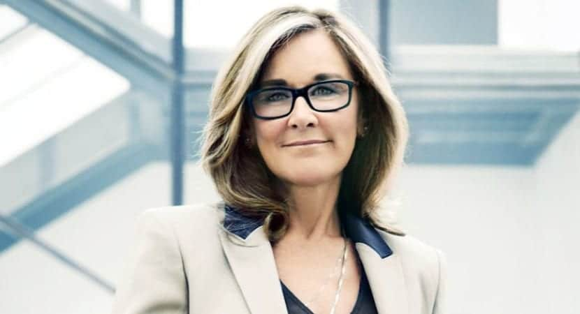 Angela-Ahrendts-svp-apple-0