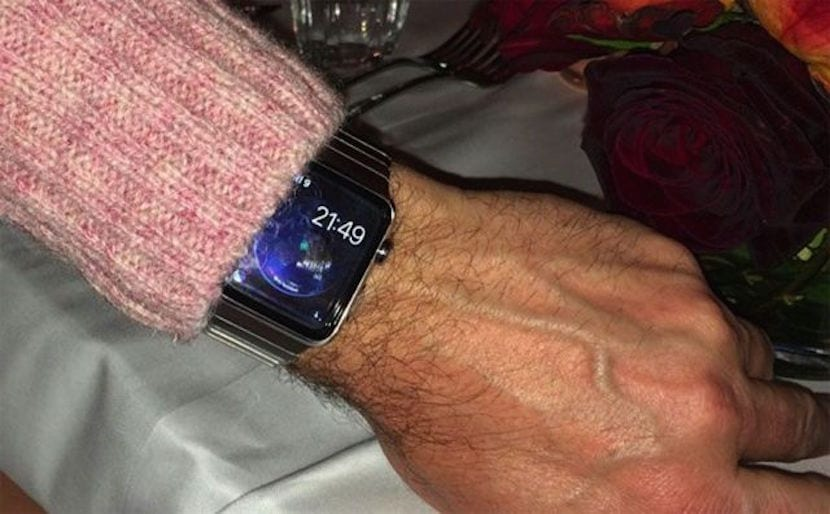 muñeca-misteriosa-apple-watch