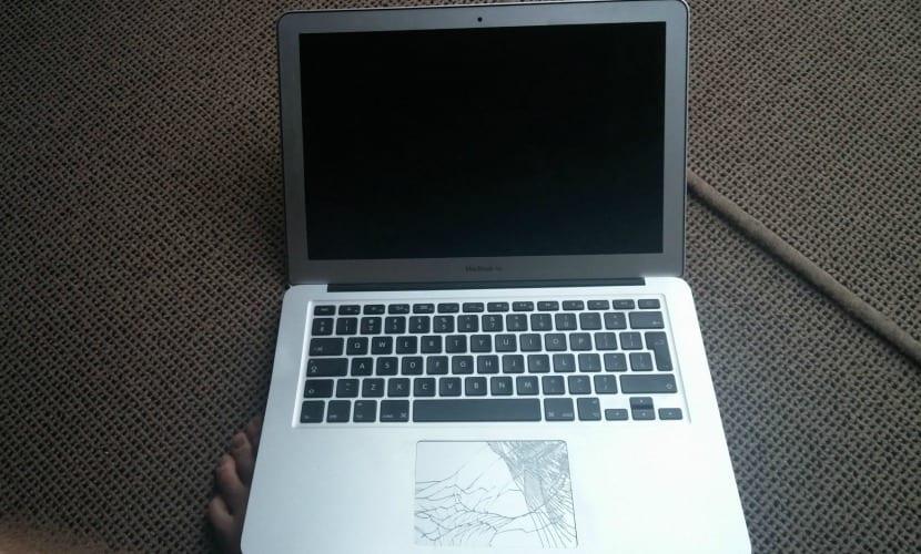 MacBook-Air-caída-avión-0