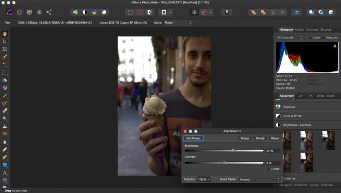 El programa de Serif ,Affinity Photo, ofrece una interfaz clara e intuitiva para poder hacer desde cosas muy básicas a elaboraciones complejas
