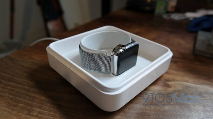 apple-watch-charging-case-hero-03-1