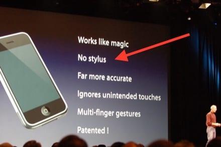 En enero de 2007, una de las caracteristicas esenciales del iPhone era su carencia de stylus