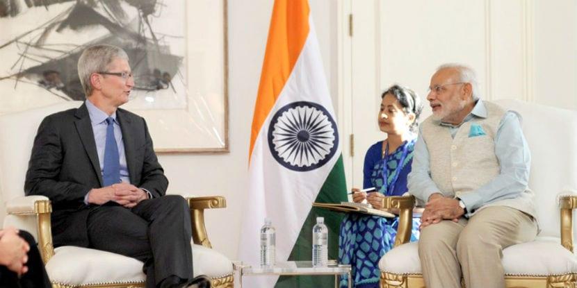 Tim Cook Narendra Modi