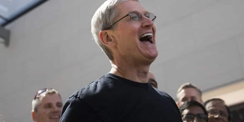 Tim Cook-premio-ripple of hope-0