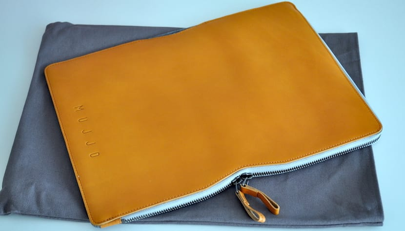 Folio Sleeve MacBook 13 de Mujjo