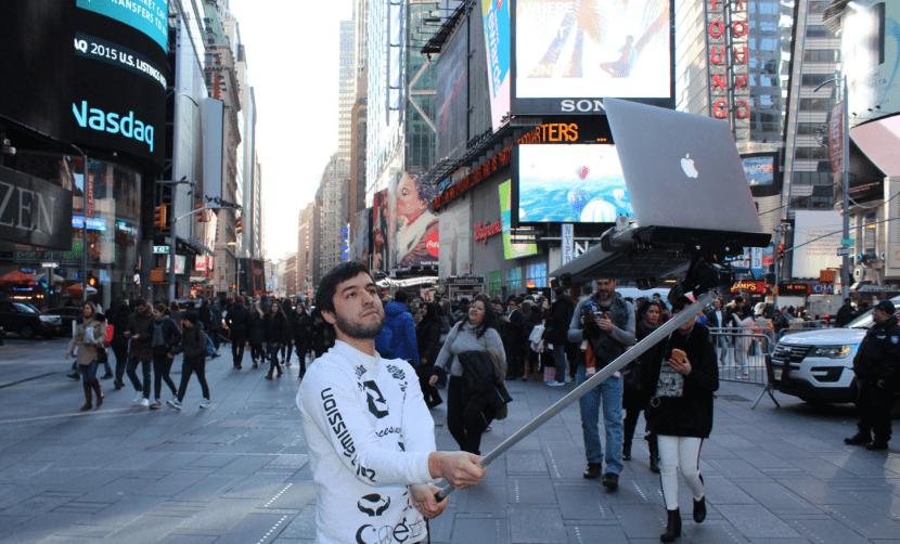 Palo selfie-macbook selfie-0