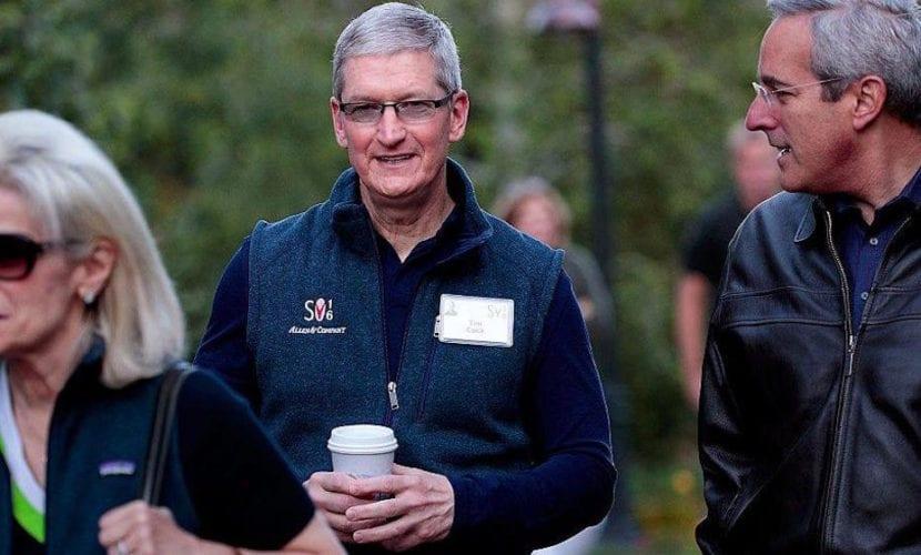 Tim Cook no pudo pagar su café con Apple Pay