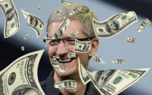 Tim Cook cumple 5 años como CEO de Apple y se embolsa 100 millones en bonos