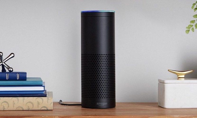 """Apple continua trabajando en su propio """"Amazon Echo"""" con Siri"""