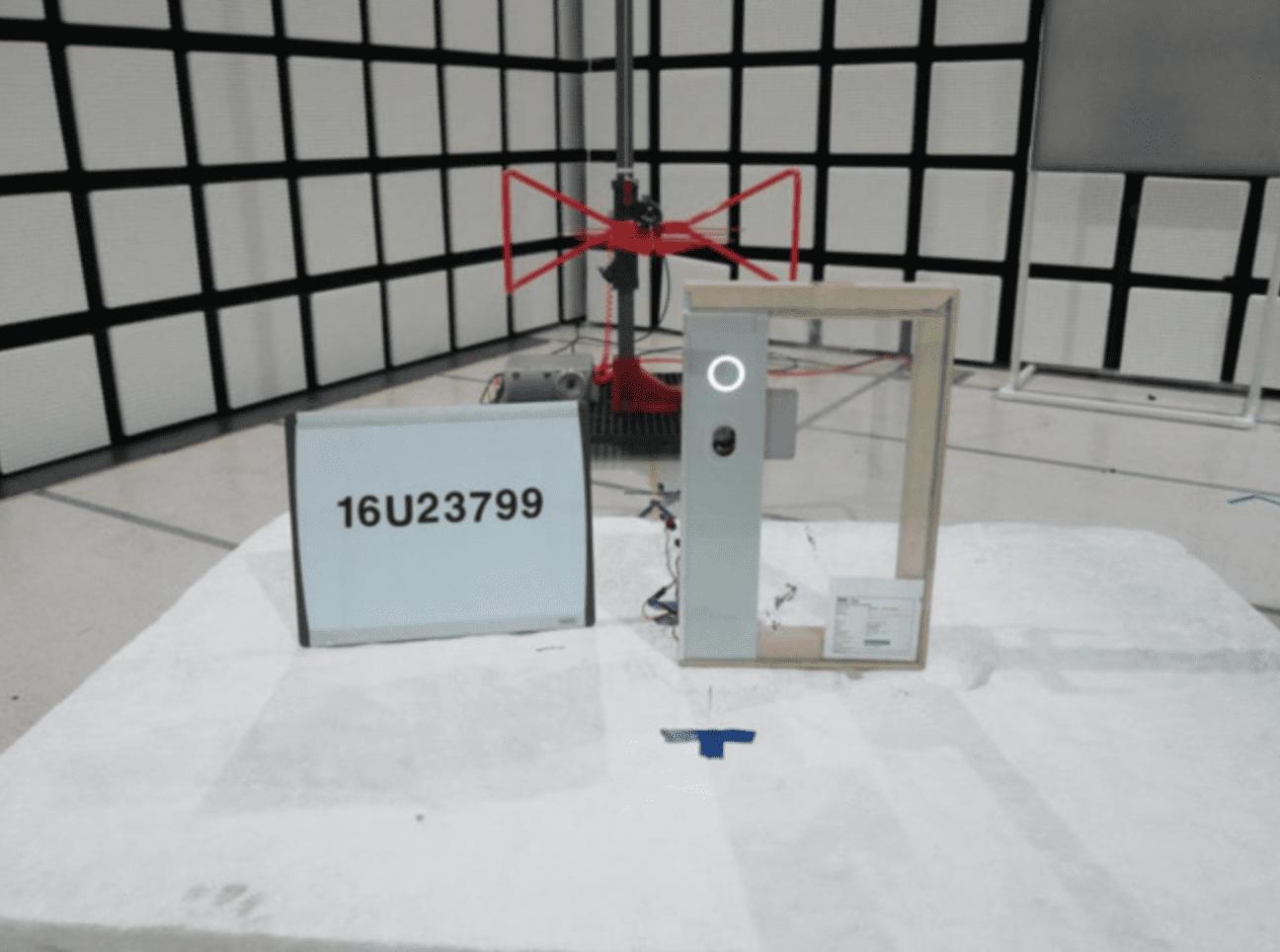 Prototipo FCC A1844 Top