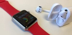 Apple Watch junto AirPods