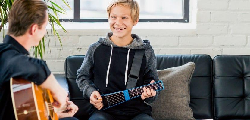 Aprende a tocar la guitarra en el Mac con Jamstick+