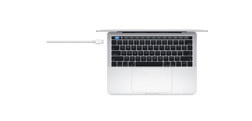 Cable Thunderbolt 3 Apple con MacBook Pro