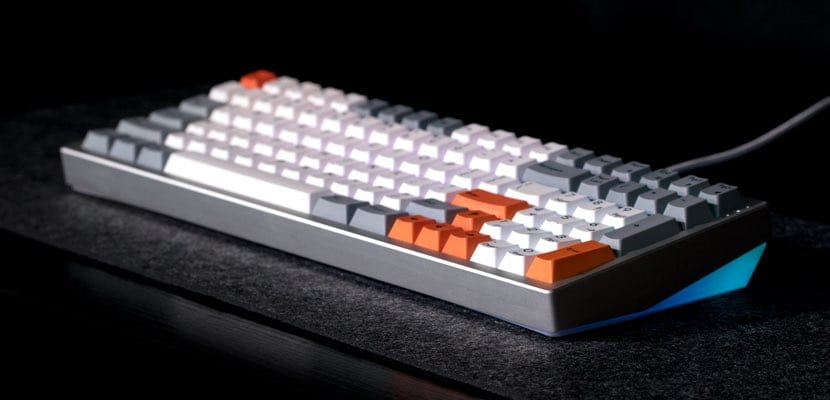 teclado mecánico Kira