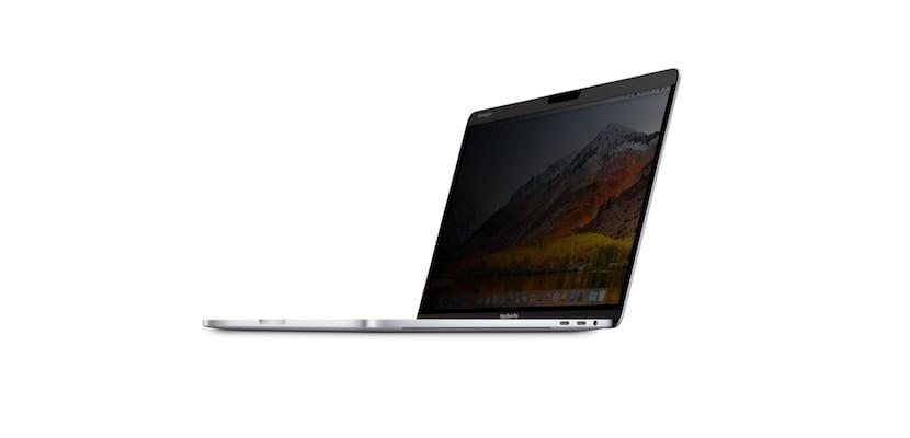 Protector pantalla MacBook Pro magnético-colocado