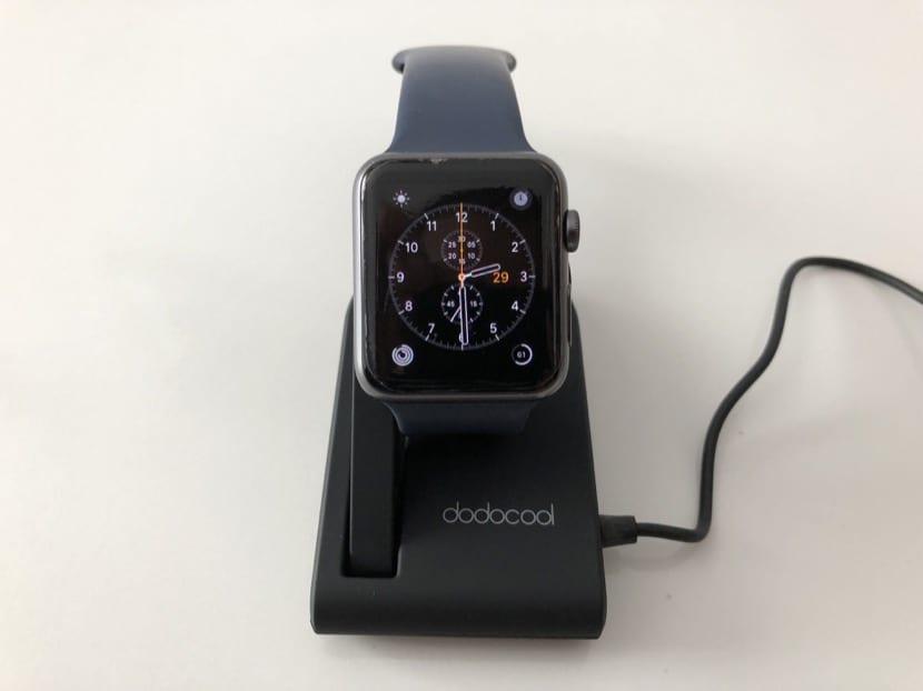 857aaba9ad3 ... añadir que la carga de mi Apple Watch la realizo con el conector de  pared oficial de Apple, por lo que no vamos a tener ningún problema en el  uso.