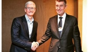 Tim Cook y el ministro checo
