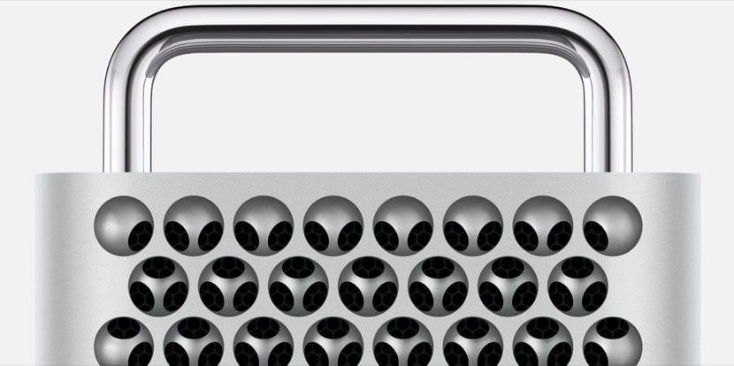 Aunque pudiera parecerlo, el nuevo Mac Pro no funciona como rallador de queso, y este vídeo lo confirma