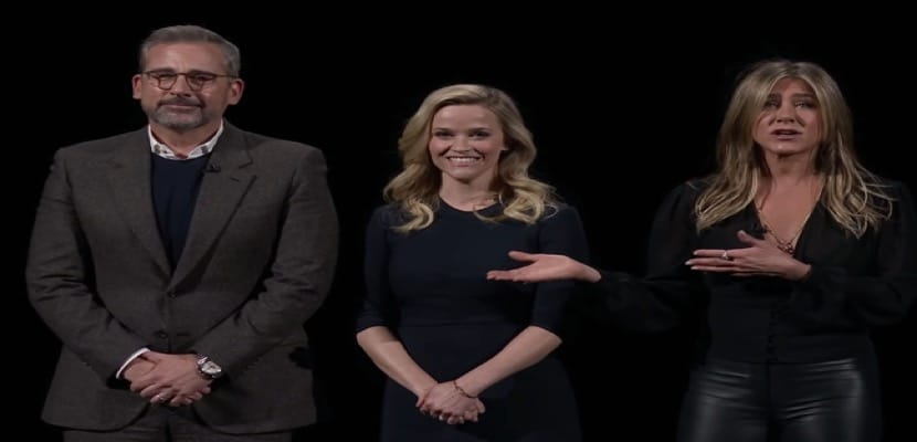 Los tres actores protagonistas de la serie que se emitirá en exclusiva a través de Apple TV+ el próximo 1 de noviembre
