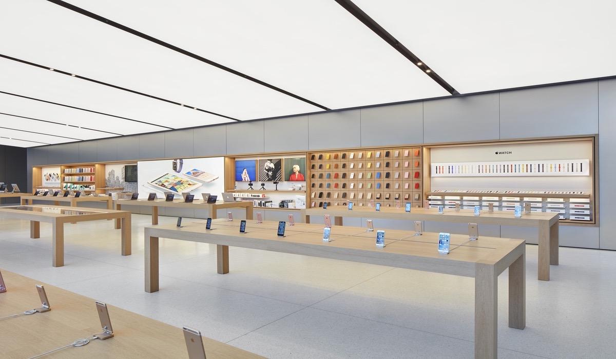 Los empleados de las Apple Store cobrarán por el tiempo invertido en los controles de seguridad