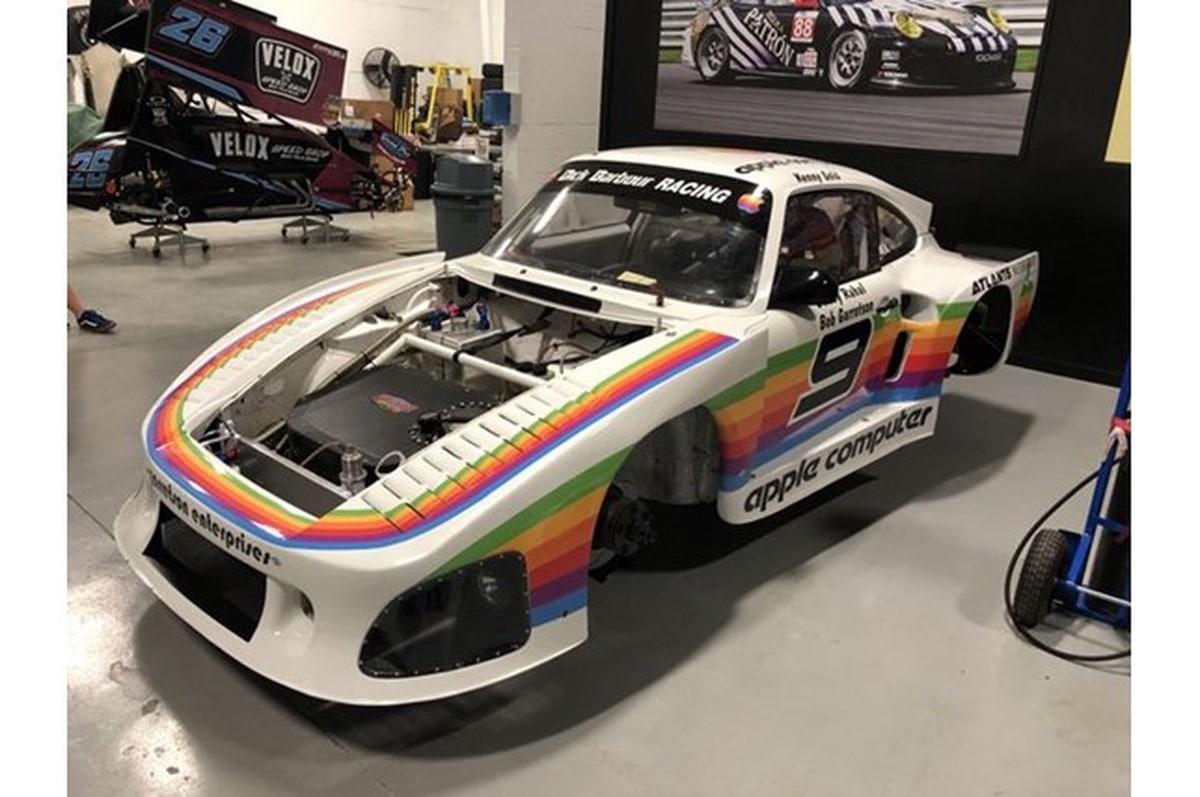Se vende un Porsche con colores de Apple
