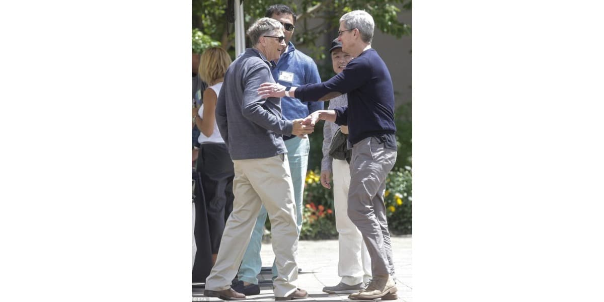 Tim Cook con Bill Gates en Sun Valley