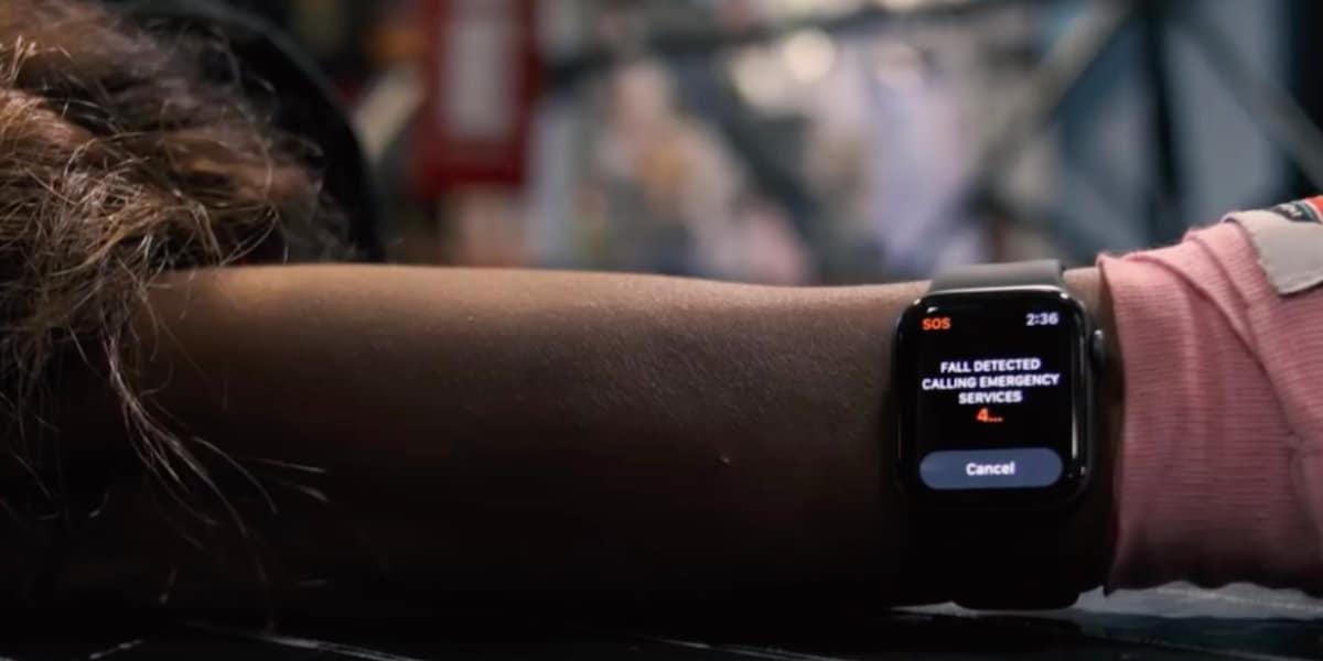 Apple Watch SOS