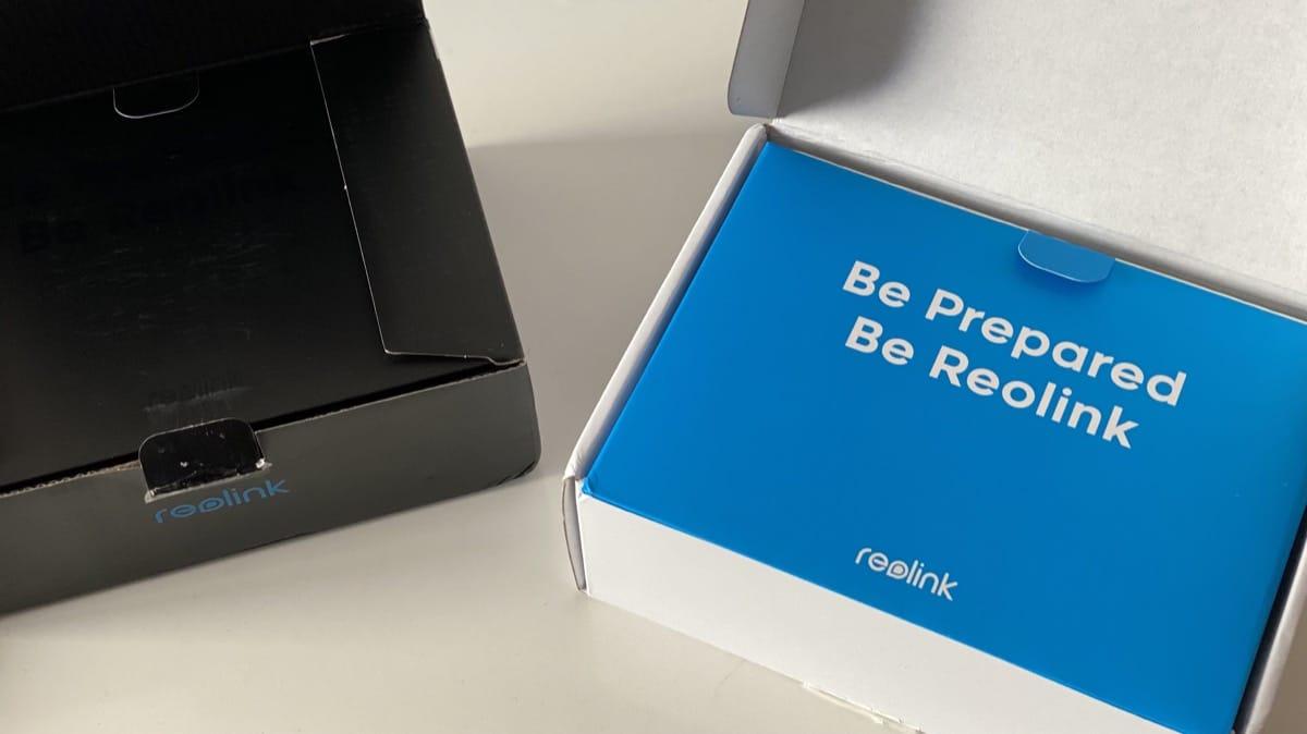 Caja Reolink y placa