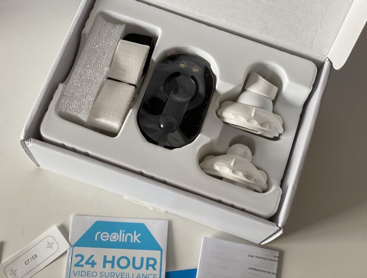 Interior caja Reolink Argus 3