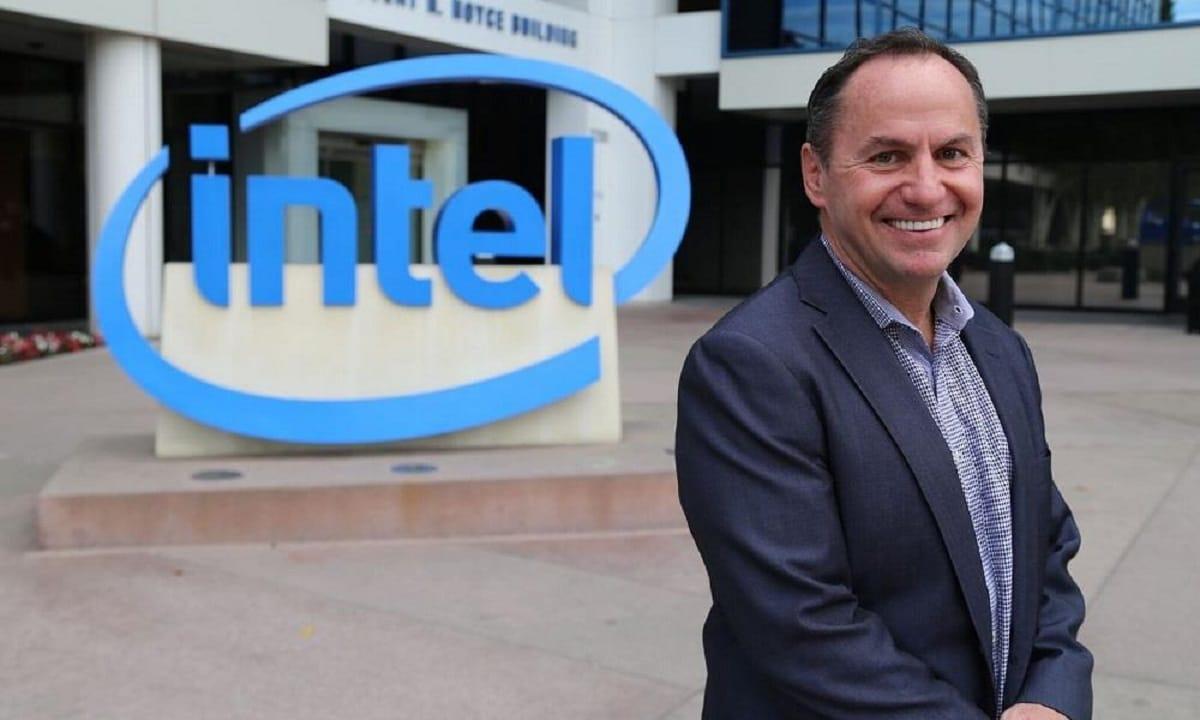 El CEO de Intel, Bob Swan, anuncia su salida de la compañía