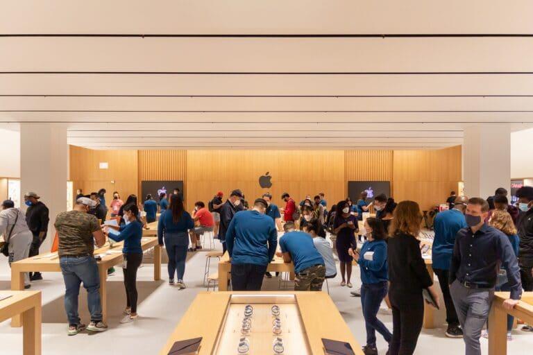 La nueva Apple Store de NY cuenta con una zona permanente de recogidas de productos